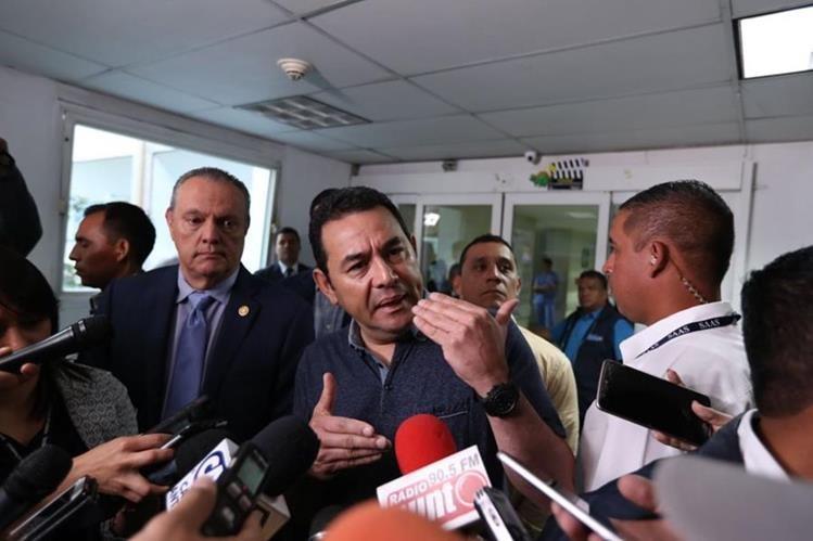 El presidente Jimmy Morales dijo que en los próximos dos días podría definir el salario mínimo para el 2018. (Foto Prensa Libre: Esbin García)
