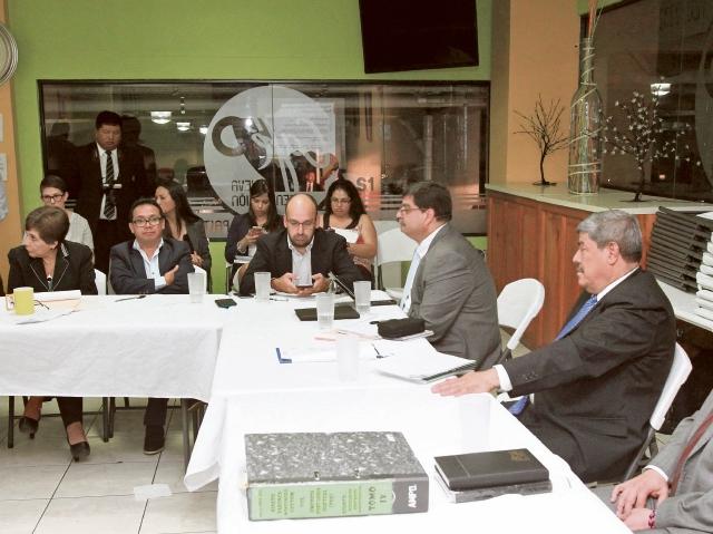 Autoridades de la Contraloría, de la PGN y del Ejecutivo acuden a una citación con la bancada Encuentro por Guatemala. (Foto Prensa Libre: Hemeroteca PL)