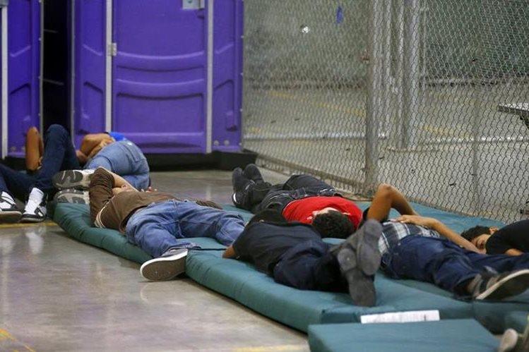 Los centros de detención han albergado a mujeres y niños y adolescenters inmigrantes.