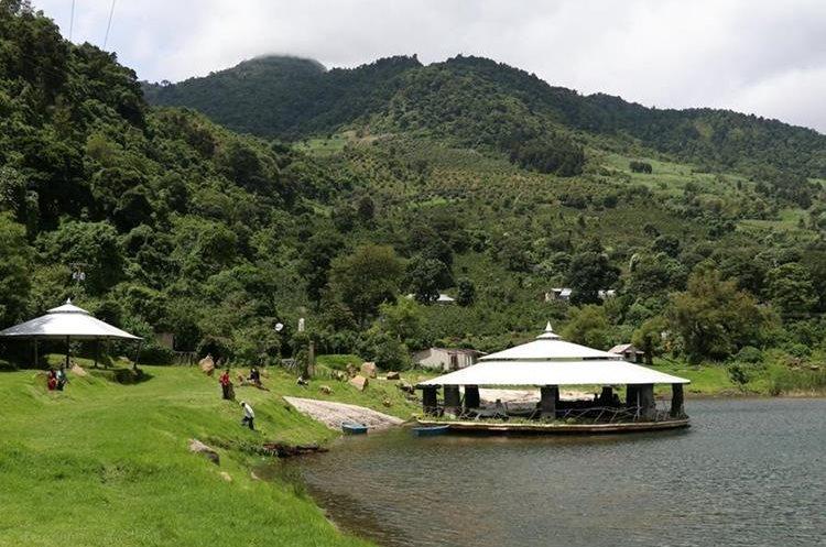 Senderos, recreación y vista al volcán Pacaya ofrece ese sitio natural. (Foto Prensa Libre: Enrique Paredes)