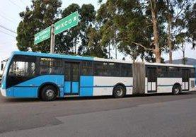 Los 10 autobuses que integrarán el Express Roosevelt circularán en la mañana, en recorridos de prueba en la calzada Roosevelt. Cada unidad cuesta US$20 mil. (Foto: municipalidad de Mixco)