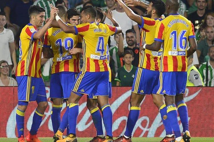 El Valencia vive uno de sus mejores comienzos de temporada de los últimos años. (Foto Prensa Libre: AFP)