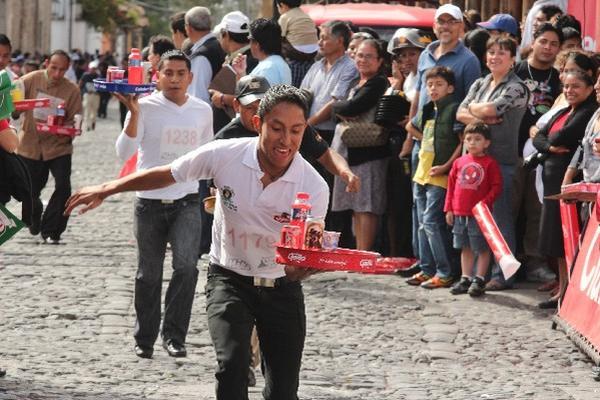 PARTICIPANTES RECORREN 1.7 kilómetros, en el área urbana de la ciudad de Antigua Guatemala.