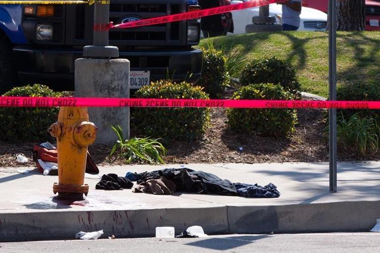 Un evento organizado por el Ku Klux Klan terminó con cuatro heridos el fin de semana último. (Foto Prensa Libre: EFE).