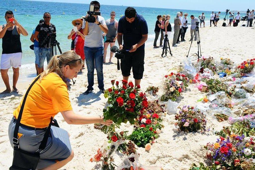 En julio del 2016 un atacante del EI irrumpió en una playa de un hotel de Túnez y mató a quemarropa a 38 turistas. (Foto Prensa Libre: Hemeroteca PL)