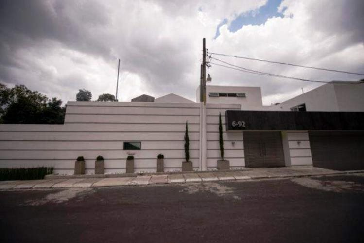 La casa extinguida a Roxana Baldetti está ubicada en un exclusivo complejo residencial en Los Eucaliptos, zona 10. (Foto Prensa Libre: Hemeroteca PL)