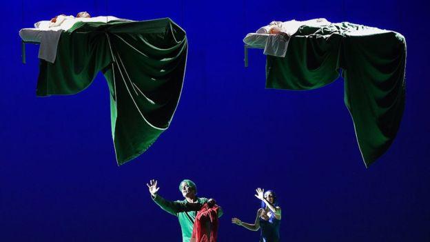La ópera se ha modernizado y sigue andando de la mano con la tecnología, un lazo que forjó desde sus principios. (GETTY IMAGES).