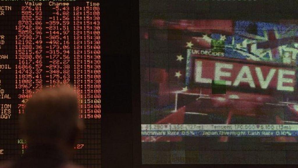 La decisión británica de abandonar la Unión Europea impactó negativamente a la libra y al euro. AFP
