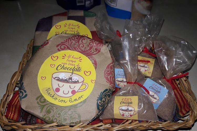 Mandy De Anleu, productora de Mixco, ofrece sus productos de chocolate en redes sociales. (Foto Prensa Libre: cortesía Mandy De Anleu)