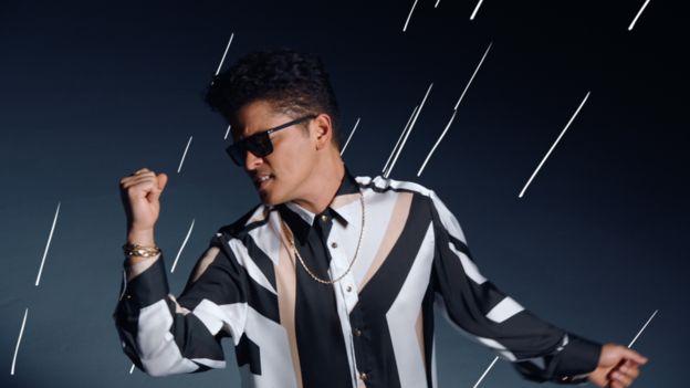 Bruno Mars ha logrado superar los 1.000 millones de vistas en cuatro de sus videos. (Foto: Bruno Mars/YouTube).