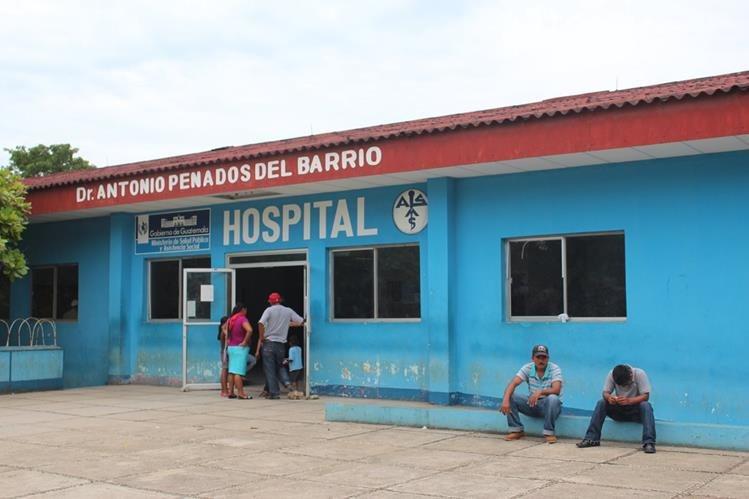 En el Hospital Regional de San Benito, Petén, falleció una de las dos víctimas de una accidente de tránsito ocurrido en Santa Elena, Flores, Petén. (Foto Prensa Libre: Rigoberto Escobar)