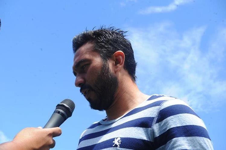 El ariete mexicano Carlos Kamiani Félix está dispuesto a recuperarse de buena manera de la lesión que sufrió en el clásico 295 (Foto Prensa Libre: Edwin Fajardo)