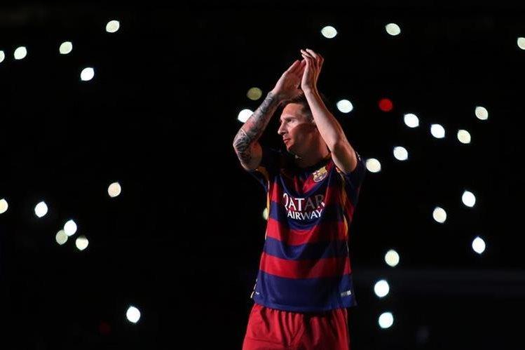 Lionel Messi es el jugador que más acapara la atención, previo al clásico, en el que se podría dar su regreso. (Foto Prensa Libre: AP)