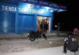 Este es el negocio donde se produjeron los hechos. (Foto Prensa Libre: Rigoberto Escobar)