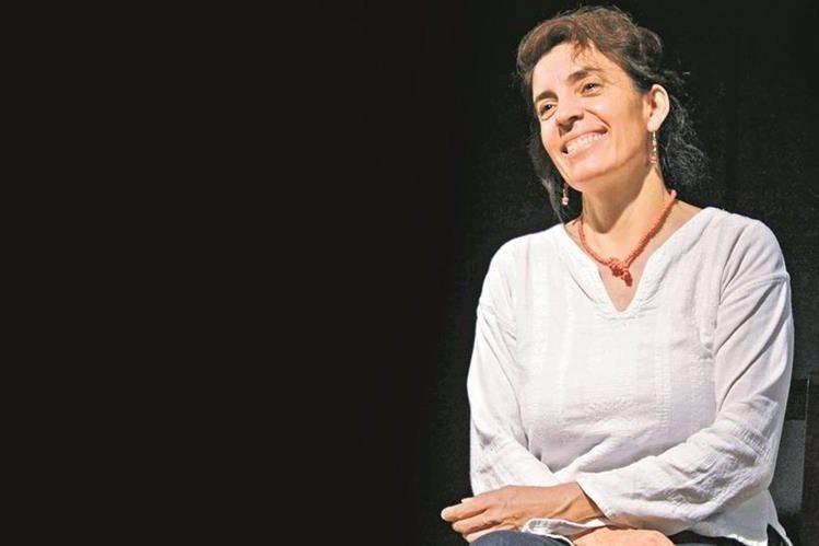 Patricia Orantes es primera actriz, productora y directora encargada del Laboratorio Teatral Artes Landívar.