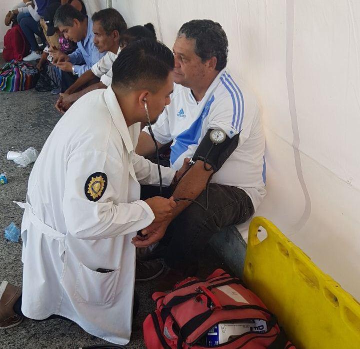 Expertos de Salud Policial también han brindado atención médica a los manifestantes.
