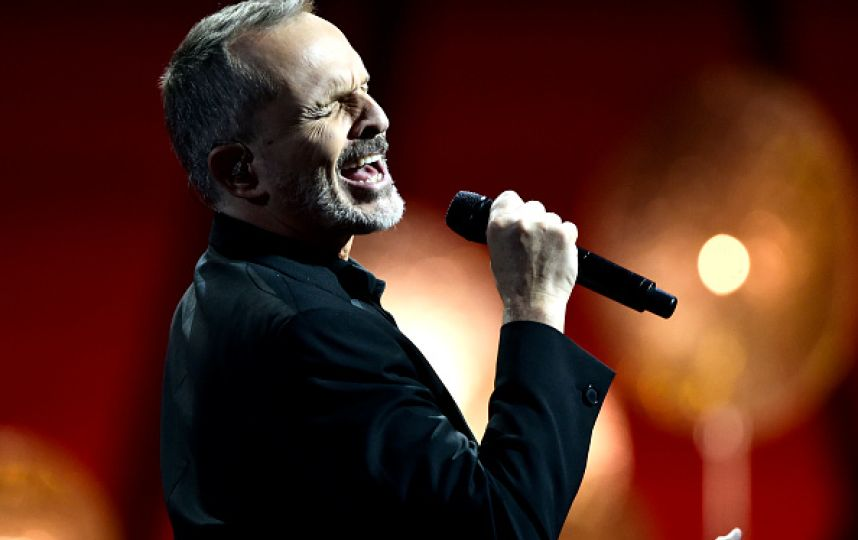 Miguel Bosé cantará esta noche.