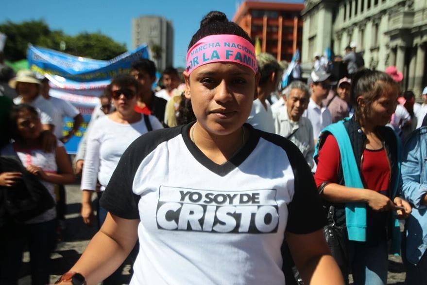Evangélicos marchan en favor de la familia. (Foto Prensa Libre: Álvaro Interiano)