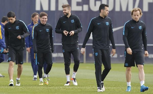 Barcelona tendrá la difícil visita del Atlético en la Champions. (Foto Prensa Libre: AP)
