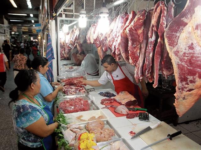 Expendedores de carne recibieron el aviso de un incremento de Q0.50 a la libra en canal que no está justificado.