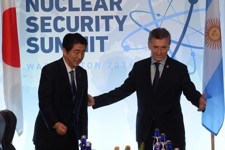 El presidente argentino invitó al primer ministro japonés, Shinzo Abe a visitar Argentina.