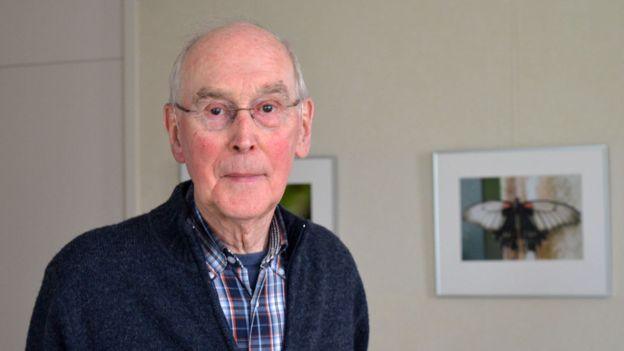 Henk Broekhuizen, de 91 años, recuerda cuando llegaron los prisioneros a su ciudad.