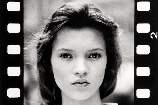 <p>Subastan primera sesión de fotos de Kate Moss (FOTO: EFE)<br></p>