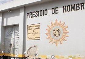 Los 23 capturados permanecen en la cárcel preventiva de Jalapa. (Foto Prensa Libre: Hugo Oliva)