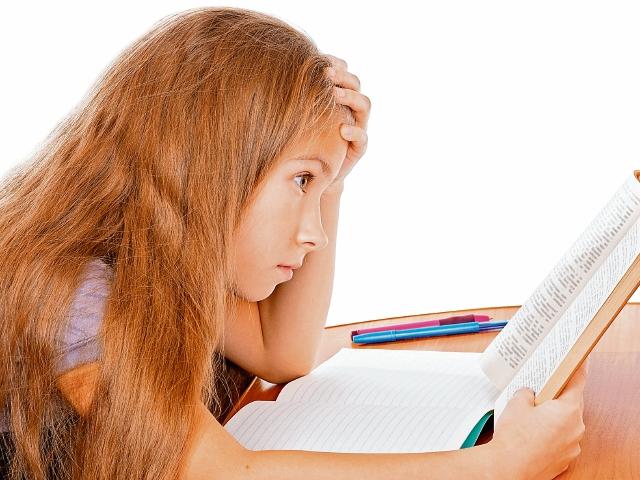 El exceso de tareas escolares y la presión por obtener buenas notas provocan ansiedad.