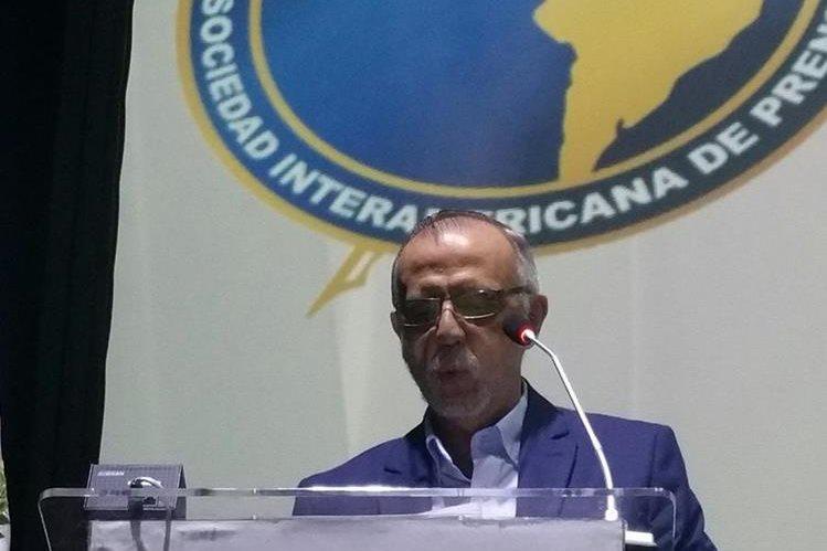 El jefe de la CICIG, Iván Velásquez, en su discurso ante la Asamblea de la SIP, en Antigua Guatemala. (Foto Prensa Libre: Jessica Gramajo)