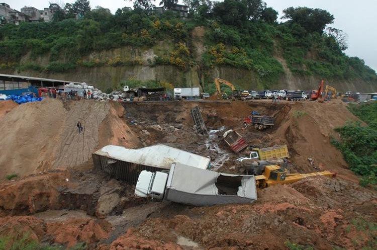 Un derrumbe ocurrido en 2015 en la colonia Covias, zona 5. (Foto Prensa Libre: Hemeroteca PL)