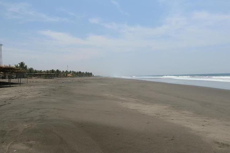 Playa La Barrona, sitio turístico golpeado por el mal estado de la ruta. (Foto Prensa Libre: Enrique Paredes)