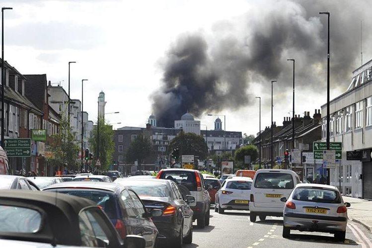 <em>&nbsp;Incendio dañó a una de las mayores mezquitas de Europa. </em>