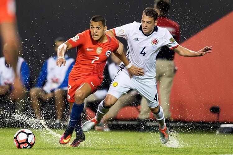 Acción durante el partido entre Chile y Colombia. (Foto Prensa Libre: Twitter Copa América)