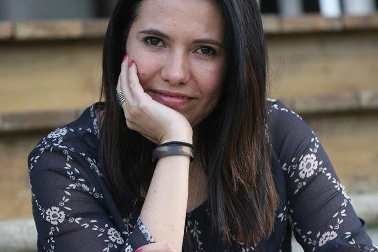 La médica veterinaria Vanessa Granados es autora del libro Pendejología, ¿animal yo?. (Foto Prensa Libre: Brenda Martínez)