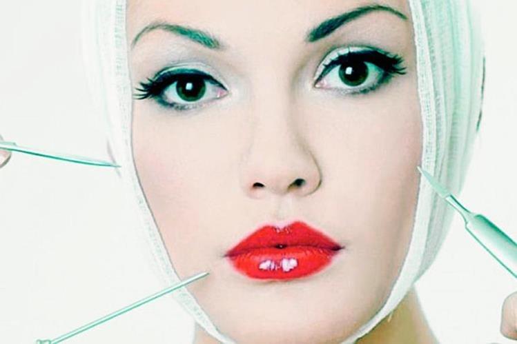 Antes de realizarse algún procedimientos estético será necesario que revise que la clínica o centro de belleza tenga la certificación del Ministerio de Salud para realizar estos procedimientos. (Foto Prensa Libre Hemeroteca PL).