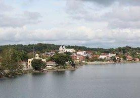 Isla de Flores, Petén, donde una turista de origen neozelandés denunció que fue víctima de robo. (Foto Prensa Libre: Rigoberto Escobar)