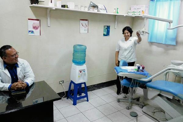 La clínica médica en Pavoncito fue inaugurada en abril de 2015 y solo estuvo habilitada 14 días, según la PDH. (Foto Prensa Libre: HemerotecaPL)