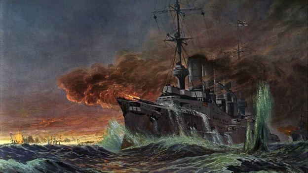 Las llamas de los buques alcanzaron los 60 metros. CORTESÍA GERMÁN BRAVO VALDIVIESO
