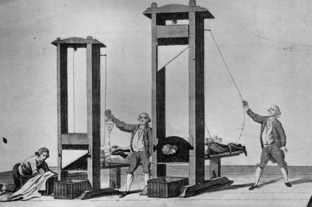 A pesar de la guillotina, podría haber más nobles franceses hoy en día que antes de la Revolución. GETTY IMAGES