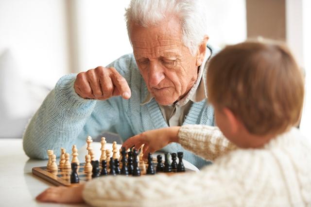Socializar  con   personas con gustos similares mantendrá la mente activa. (Foto: Hemeroteca PL).