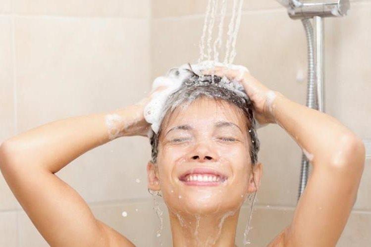Según la compañía, el aerosol tiene bacterias inocuas que mantienen la higiene en la piel y cabello.