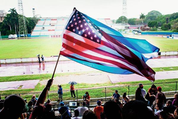 El Cosmos venció 4-1 a la selección de Cuba. (Foto Prensa Libre: AFP).
