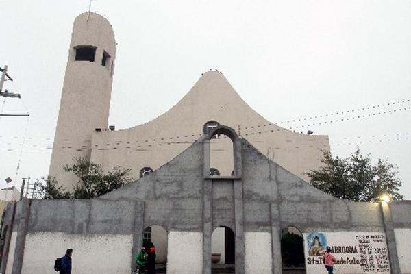 <p>El muro de protección fue instalado en la iglesia desde hace dos meses.</p>
