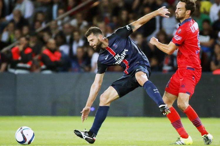 Thiago Motta durante el juego de ayer del PSG frente al Ajaccio Gazelec, (Foto Prensa Libre: AP)