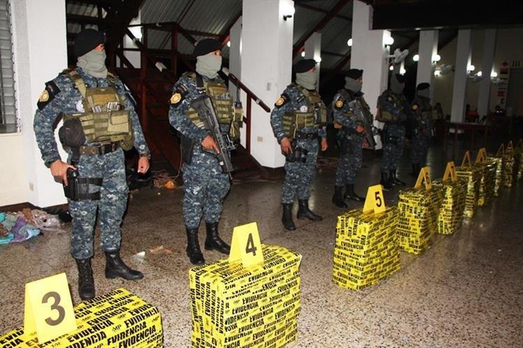 Roxana Baldetti y Mauricio López Bonilla, exfuncionarios del Partido Patriota, recibieron dinero a cambio de favorecer al narcotráfico desde sus posiciones, según EE. UU. (Foto Prensa Libre: Hemeroteca PL)