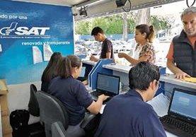 Los primeros conductores de la plataforma Uber se formalizaron ante la SAT, para emitir factura electrónica.