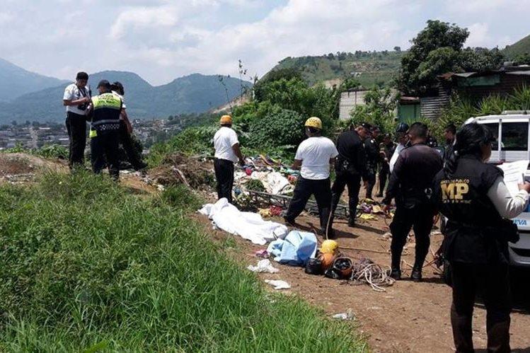 El cadáver desmembrado de una mujer fue localizado en el campo de fútbol de Mártires del Pueblo, zona 4 de Villa Nueva. (Foto Prensa Libre: Google)