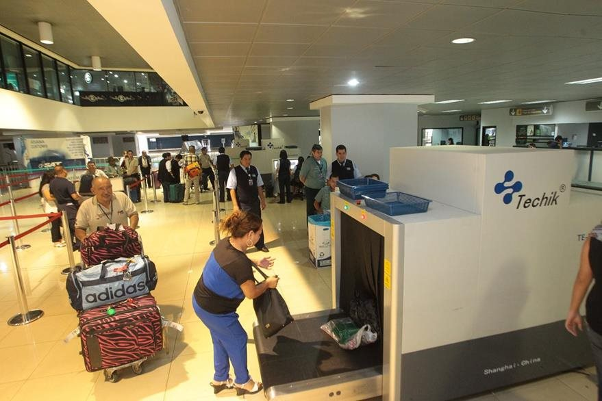 El sistema facilitará la identificación de los pasajeros nacionales e internacionales. (Foto Prensa Libre: Hemeroteca PL)