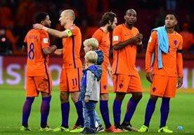 El jugador dijo adiós a la Selección de Holanda.